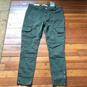 Zara cargo skinny in army green!